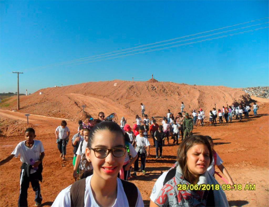 Estudantes de escolas de Patos de Minas realizam visitas ao Aterro Sanitário