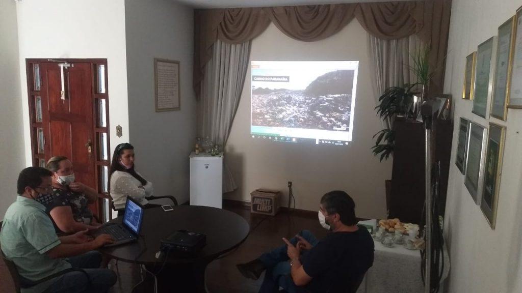 Prefeito de Carmo do Paranaíba, Dr. César visita Centro Administrativo da Conserbras
